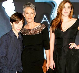 301 moved permanently for Jamie lee curtis husband christopher guest